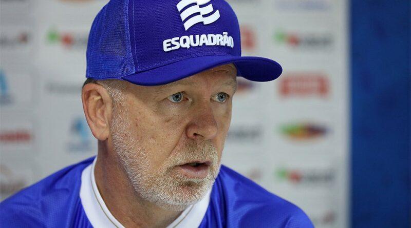 Bahia é goleado pelo Bragantino por 4×0 e Mano Menezes assume a responsabilidade pela derrota