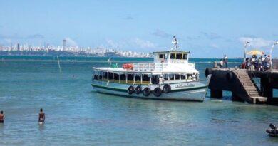 Travessia Salvador-Mar Grande tem movimento intenso no terminal de Vera Cruz