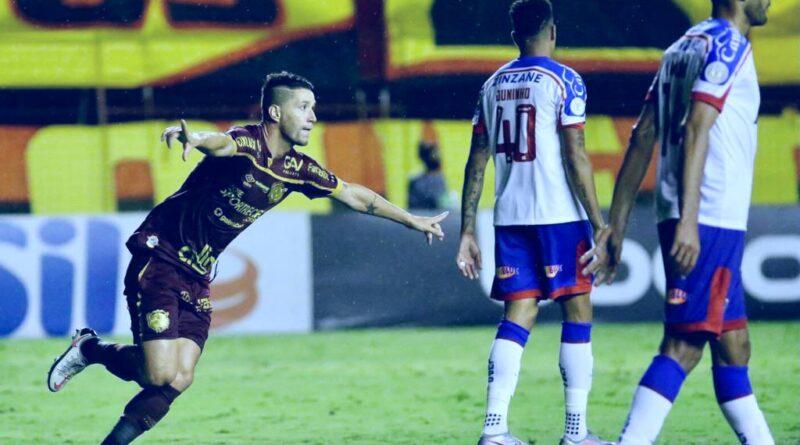 Com atuação ruim, Bahia perde para o Sport por 2 a 0 e entra no Z-4