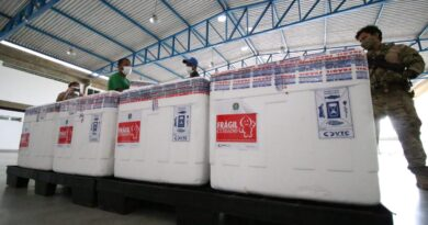 Vacina de Oxford chega ao Grupamento Aéreo da PM em Salvador