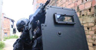 Casal suspeito de roubos a bancos na Bahia é preso em motel