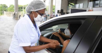 Salvador inicia vacinação de trabalhadores da Educação nesta quarta