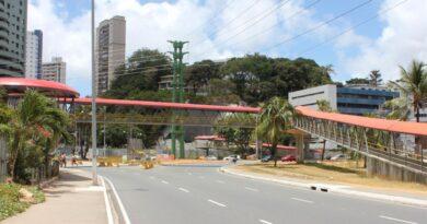 Trânsito será modificado na Av. Tancredo Neves neste fim de semana por conta de obras