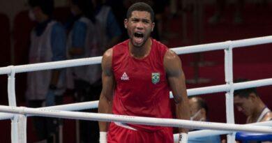 Hebert Conceição vence cazaquistanês nas quartas e garante medalha no boxe