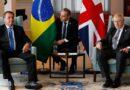 Durante reunião nos EUA, Boris Johnson recomenda vacina de Oxford para Bolsonaro